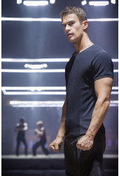 Poster Divergente - Theo James - Filmes